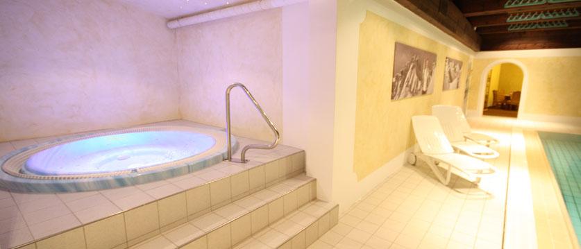 Austria_Obertauern_Hotel-Kohlmayr-Royal_jacuzzi.jpg